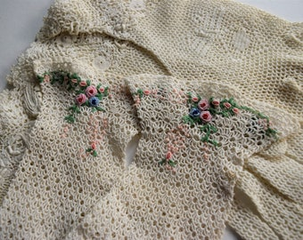 Vintage CROCHET EMBROIDERED GLOVES Beige Blue Pink Bullion Rose Victorian Style Ladies Cream Tan Lady Woman Dress Embroidery Set Lot of 3