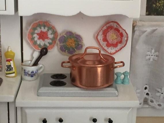 Miniature Copper Pot, Large Copper Pot With Handles, Dollhouse Miniature, 1:12 Scale, Dollhouse Kitchen Decor, Accessory