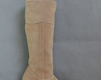 Womens Sand Beige Suede Knee High Boots, Riding Boots, Boho Boots, Hippie Boots, Vintage 70s Boots, Tall Boots, US Size 7