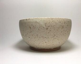 Handmade Stoneware Bowl - Rustic Medium Bowl - Ceramic Bowl - Cereal Bowl - Medium Salad Bowl - Ice Cream Bowl - Speckled Bowl - Beige Bowl