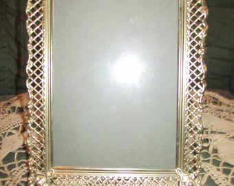 Vtg Antique Brass Mid Century Gold Metal Fancy Scallop Edge Easel Back Photo Picture Frame