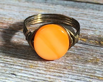 orange mother of pearl shell , antique brass wire wrapped ring - size 6 3/4 , 6.75 - beachy jewelry simple natural handmade women