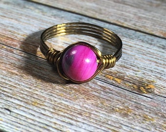 bright pink / purple Shell Ring - antique brass wire wrapped - size 8 , beachy women men unisex , handmade jewelry