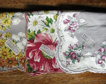 3 Vintage Hankies Handkerchief Floral Patterns by TWO'S COMPANY Original Tags Unused Unlaundered Gray White Yellow Green Pink Purple