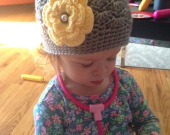 Crochet Girls Hat - Baby Hat - Toddler Hat - Crochet Hat - Newborn Hat - Light Gray (Grey) with Yellow Flower - in sizes Newborn to 3 Years