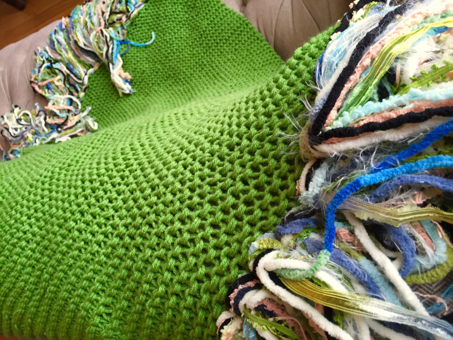 Colorful knitted throw blanket in emerald green by - Emerald green throw blanket ...