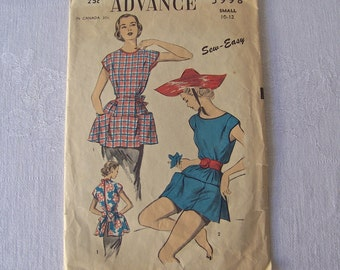 Vintage Ladies Apron Pattern 1940s Sewing Pattern Size Small
