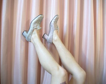 60s Metallic Silver Lace Up Heels, sz 8.5