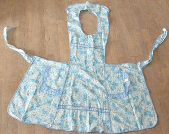 Vintage 1940s  Full Bib Apron Cotton Floral Fabric - B5
