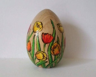 tulip Easter egg, flower easter egg, decorated egg, paperweight, wood egg, pyrography, wood burning