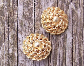 vintage 80's fancy gold plated chain link clip earrings