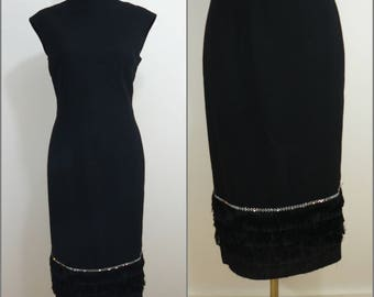Flapper VINTAGE 1960s Black Fringe Mod Flapper Wiggle Dress 10 38 Retro Chic / Diamante trim