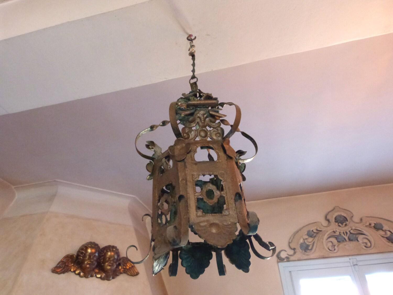 Antique french gold tole ware lantern chandelier floral decor for Chandelier mural antique