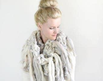 Knit Infinity Scarf Cowl Tassels / Fashion Knitted Crochet Scarf Neckwarmer / Wool Knit Scarf Fall Fashion Stylish