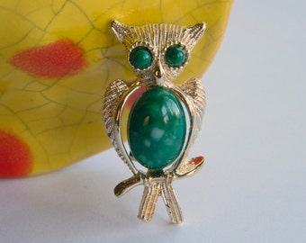 Cute & Sweet Vintage Green Belly Owl Brooch- Woodland Animal Bird Nature Forest Gold Tone Big Eyes Glass 1960's Kitsch