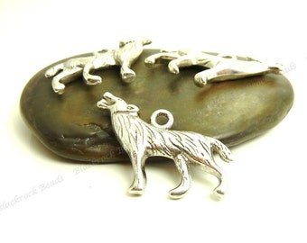 6 Wolf Charms ( Double Sided ) - 26x18mm - Antique Silver Tone Metal - BC23