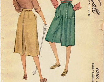 40s Culotte Pants Pattern McCall 6768. Flared Leg Divided Skirt - Skort - Patch Pockets and Saddle Stitch Trim. Waist 26 inches.