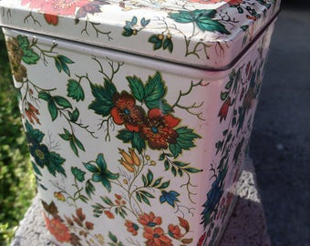 Vintage Tin box made for Daher in NY, Made in England - Floral Pattern