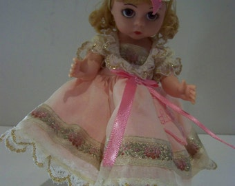 LOVE cu gathering Madame Alexander 8 in doll in blonde or dark haired