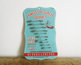 Vintage french safety pin set, 1950s-1960s, Epingle nourrice sureté, Needlecraft, Pincushion, Aiguille, Necessaire couture voyage, France