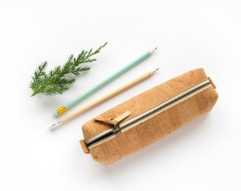 Pencil case, cork pencil case, vegan pencil case, eco friendly pencil case, organic pencil case, cork pouch, natural cork pencil bag makeup