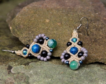 Macrame beaded earrings cream blue