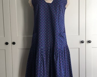 Handmade 70s Does 20s Blue Cotton Day Dress with Lace Trim, Pockets and Sweet Gathered Skirt Gatsby Picnic Dress Blue Calico Print Day Dress