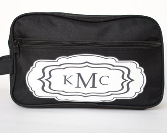 Personalized Mens toiletry Bag, Groomsmen Gift, Best Man Travel Bag, Mens shave kit, Wedding party Gift for Groomsman Proposal