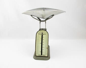 Antique 'PELOUZE' Laboratory Scale - With Scoop - 1904 - Compact Size - Working Scale - Industrial  - Farmhouse  Chic