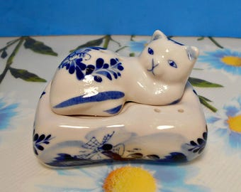 Ceramic Cat Salt & Pepper, Hand Painted Delft Blue, Blue White Cat, Resting Delft Cat, Cat on Pillow, Delft Windmill,A Delft Collectors Item
