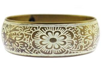 White Enamel Bangle Bracelet, White Flower Bangle Bracelet, Enamel Flower Bangle Bracelet, Enamel Brass Bangle Bracelet