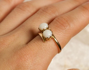 Sale // Antique Victorian White Opal 18k Double Two Stone Bypass Ring Size 7 Toi Et Moi