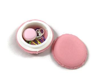 Pink macaroon stitch marker case, stitch marker case, closing stitch markers, colored stitch markers, crochet stitch markers, knitting