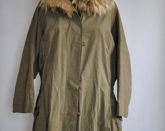 Vintage WEEKEND by MAX MARA women's trench coat with fox fur collar................(300)