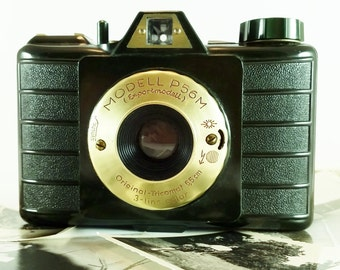 1950s Green & Gold Plated Bakelite Camera Tricomat 6,5 cm 3-Lens - Export Model P56M - Made in West Germany