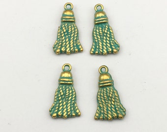 4 green patina tassel  charms ,10mm to 20mm  # CH 440