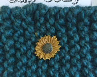 Cup cozy/ Knitted cozy with sunflower button /Sunflower coffee cozy/ Sleeve / Cup cozy knit / Teacher gift / Coffee/ Tea /