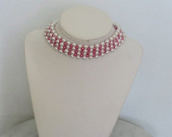 White and hot pink pearl choker