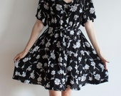 Vintage Black and White Floral Button Up Dress // Short Sleeve // XL/1X/2X/3X