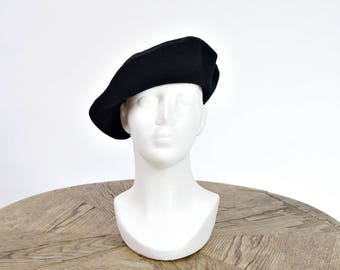 SUMMER SALE - 80s Kangol Painter Artist French Style Black Wool Beret