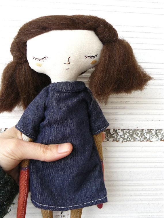 Art doll with pure wool hair and  denim dress. 32 cm