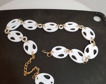 FREE  SHIPPING   1970 Lucite  Chain  Belt