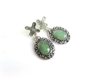 Green aventurine cabochon earrings, green stone dangle earrings, aventurine earrings, stone cabochon earrings, italian jewelry