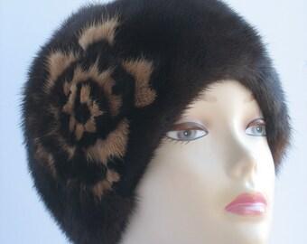 Winter Hat for Women Short Fur Mink FUR HAT Vintage Warm hand-sewn Dark brown Women's Winter Mink Beanie 56-57 cm Brooch Accessories Fur Hat