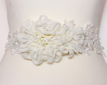 Bridal ivory sash, floral sash, flowers sash wedding pearls sash, ivory flower romantic wedding accessories lace