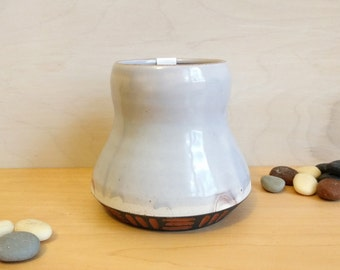 Small Vase – Bud Vase – Light Lavender Vase – Light Purple Vase - Ceramic Bud Vase -  desktop vase