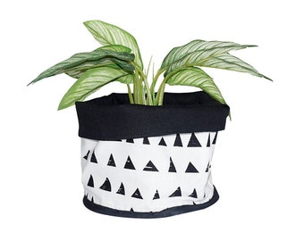 Soft Pot, Fabric Bucket ,Triangles pattern, Grid pattern, Black and white,  100% Cotton, Nordic design, Scandinavian style