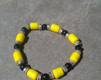 Black and Yellow Stretch Bracelet/Vintage Yellow and Black Bracelet/Vintage Black and Yellow Bracelet/Vintage Black Gray and Yellow Bracelet