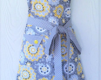 Floral Apron, Gray and Yellow Apron, Retro Style, Womens Apron, Vintage Inspired, KitschNStyle