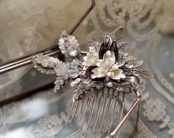 GABRIELLA | Modern Floral Bouquet Hair Comb
